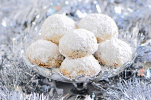 My Favorite Christmas Cookie:  Mexican Wedding Balls (dairy, egg, grain and gluten free)